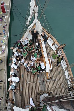 "Humanitarian vessel Vega loads ""Kits 4 Kids"" in Singapore"