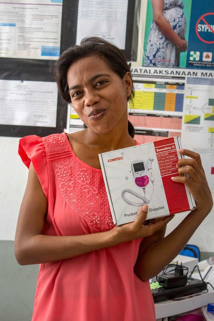 One of the most important pieces of equippment in our midwife sets is the Fetal doppler heart beat monitor. We delivered two new ones.