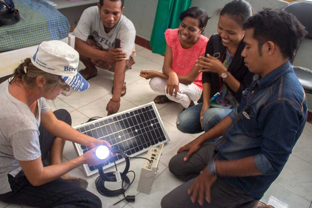 Solar emergency lights for the Ambulance. We hope to be able to support more of the midwifes on Atauro island in the following years.