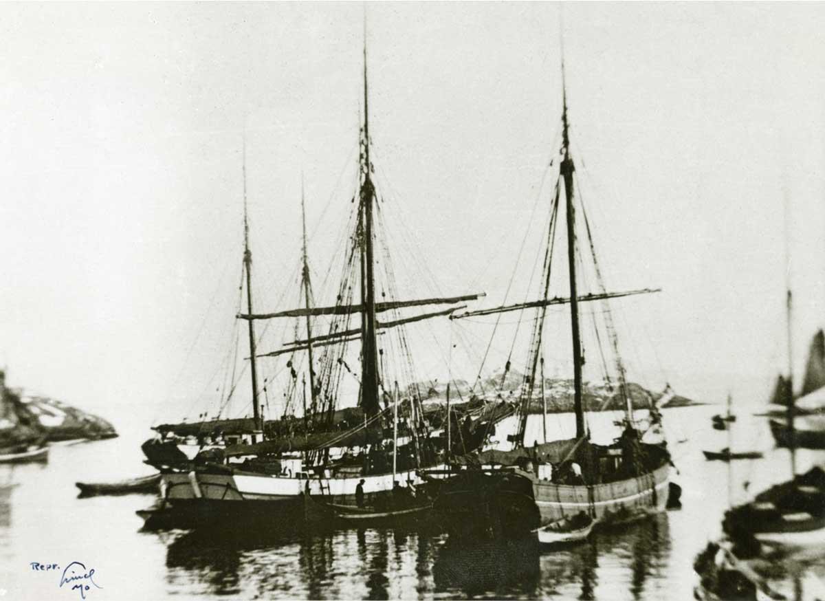 Jakt 'Elianna' (ex-'Ilianna') and  'Vega'  in port. Image date unknown.
