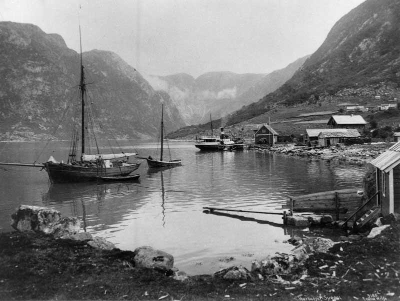 Unknown Jakt in Hardanger-fjord