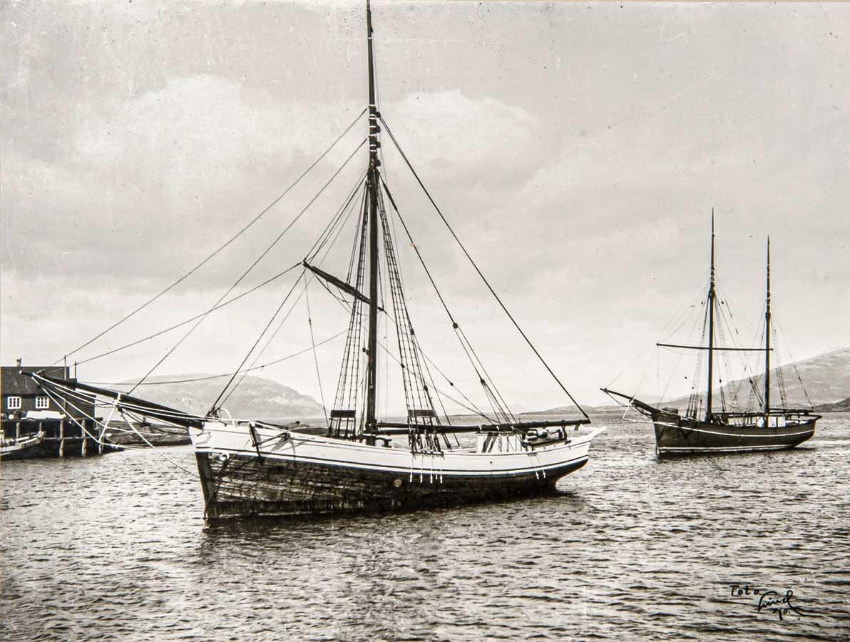 Jakt Bravo built in 1886 by Ola H. Nerhus in Stekka / Tørvikbygd i Hardanger.