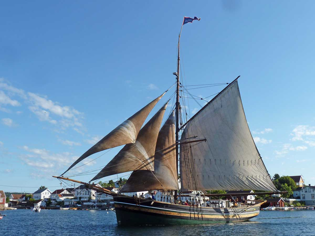 Jakt Mathilde,  built by Ole H. Nerhus in Kvinnherad, and was launched in 1884. Mathilde was completely restored in 1989 by the Hardanger Maritime Centre.